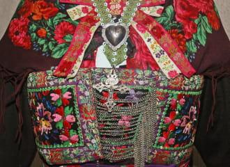 Musée des costumes, arts et traditions populaires